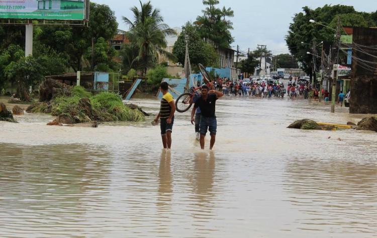 Clima de chuva traz grandes enchentes em 58 cidades